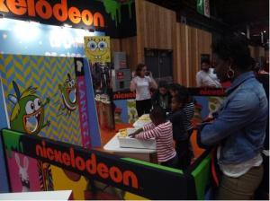 Lancer de toasts chez Nickelodeon!