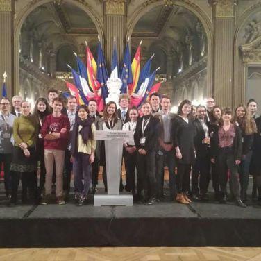 """L'ensemble des étudiants et doctorants ayant participé aux """"entretiens franco-allemands. DR."""